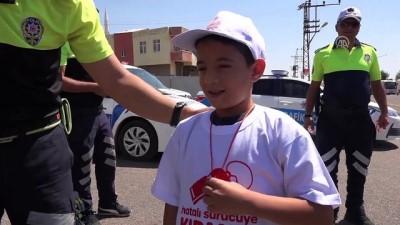Çocuklardan hatalı sürücülere 'kırmızı düdüklü' uyarı - ŞANLIURFA