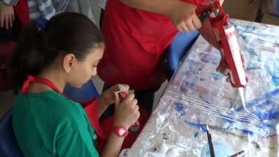 ogretmen -  Dekoratif tablo yapmayı öğreniyorlar