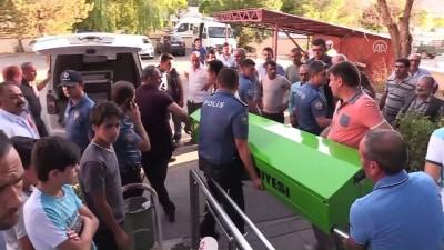 Erzincan'da kaymakamlıkta silahlı saldırı: 5 ölü, 2 yaralı (4)