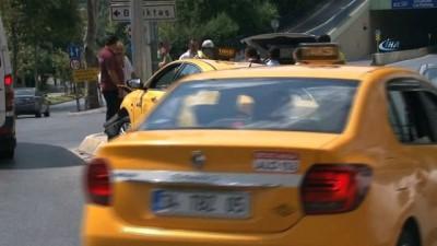 """Şişli'de """"UBER sıkıştırdı"""" iddiasıyla kaza yapan taksici alkolü çıktı"""