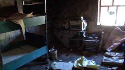 Yangında evleri kül olan 6 kişilik aile sokakta kaldı