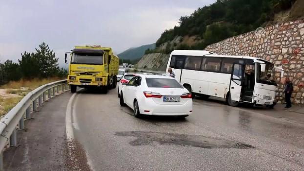 direksiyon - Bolu'da trafik kazaları: 7 yaralı Haberi