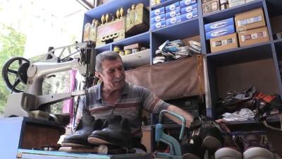 57 yıldır ayakkabı boyayarak ekmeğini kazanıyor - BATMAN
