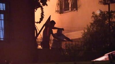 yangin yeri - Adana'da marangozhanede yangın