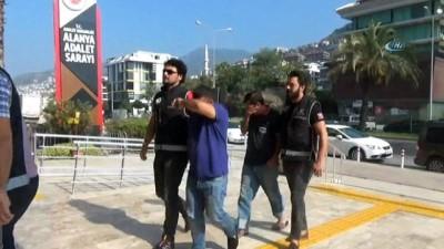 Alanya'da gözaltına alınan tefeciler adliyede