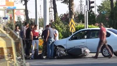 Kilis'te ışık ihlali yapan otomobile motosiklet çarptı: 1 yaralı