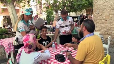 Çeşme'nin bayram trafiği 'Beyaz Kırlangıçlar'a emanet - İZMİR