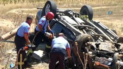 Tatilden dönen ailenin içinde bulunduğu kamyonet takla attı: 1 ölü, 3 yaralı