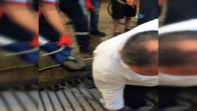 Ayağı mazgala sıkıştı, ekipler kurtardı