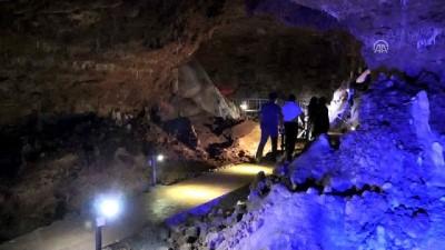 İncesu Mağarası ziyaretçilerini büyülüyor - KARAMAN