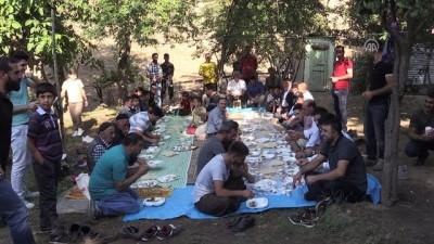 Köy sakinleri bayram sofrasında buluştu - BİNGÖL