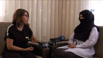 Mülteci kadınlar kaderleriyle kuaförlük yaparak mücadele ediyor