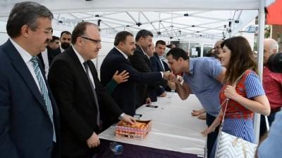 Eski bakan Veysel Eroğlu, bayramlaşma törenine katıldı