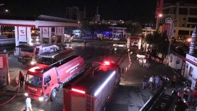 Şanlıurfa'da Oduncu Pazarı'ndaki yangın kontrol altına alındı