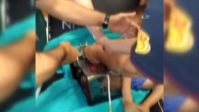 3 yaşındaki Ahmet'in eli kıyma makinesine sıkıştı