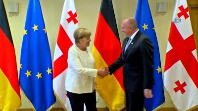 - Almanya Başbakanı Merkel, Gürcistan Devlet Başkanı Margvelaşvili ile görüştü