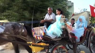 Yeni evlenen çiftin faytondan gelin arabası hayali gerçek oldu