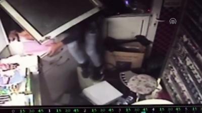 Hırsızlık anı güvenlik kamerasında - KARABÜK