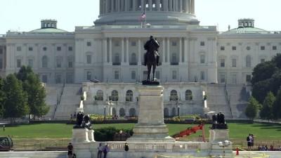 John McCain'in vefatının ardından bayraklar yarıya indirildi - WASHINGTON