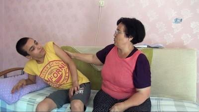 Ölüm tehdidiyle eşinden ayrıldı, engelli çocuğuyla sokağa atıldı