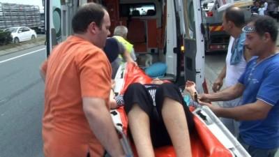 Feci kaza kamerada...Karşı şeride geçen otomobil ikiye bölündü: 1 ölü, 12 yaralı
