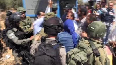 İsrail askerlerinden köy sakinlerine müdahale - RAMALLAH
