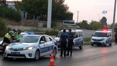 su kanali -  Rus turistleri taşıyan midibüse tır çarptı: 11'i turist 13 yaralı