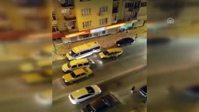 beyin kanamasi - Taksicinin darbedilmesi anı görüntülendi - DENİZLİ