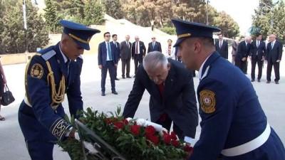 anit mezar -  TBMM Başkanı Yıldırım Azerbaycan Ve Türk Şehitliklerini Ziyaret Etti - Yıldırım, Kktc'den Sonra İlk Yurt Dışı Ziyaretlerini Azerbaycan'a Gerçekleştiriyor
