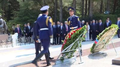 anit mezar -  - TBMM Başkanı Yıldırım Azerbaycan Ve Türk Şehitliklerini Ziyaret Etti - Yıldırım, KKTC'den Sonra İlk Yurt Dışı Ziyaretlerini Azerbaycan'a Gerçekleştiriyor