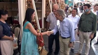 - Yüzlerce yıllık Osmanlı giysileri Antika Festivali'nde görücüye çıktı