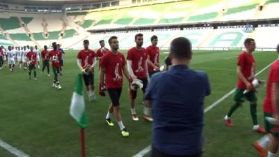 Bursaspor antrenmanında meşale şov