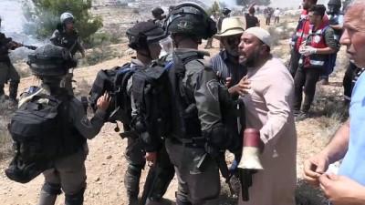İsrail'den Ras Karkar'daki gösteriye sert müdahale (1) - RAMALLAH