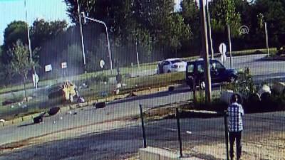 2 otomobil çarpıştı: 1 ölü, 10 yaralı - KASTAMONU