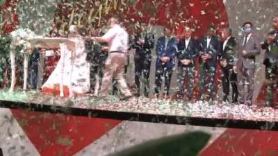 Bakanlar nikah merasimine katıldı, AK Parti İl Başkanlığını ziyaret etti