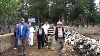 Hayırsever iş adamı köyünde 200 mezar yaptırdı - ANTALYA