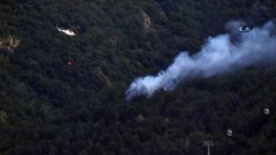 yangin yeri -  Uludağ eteklerinde orman yangınına 2 helikopter havadan müdahale ediyor