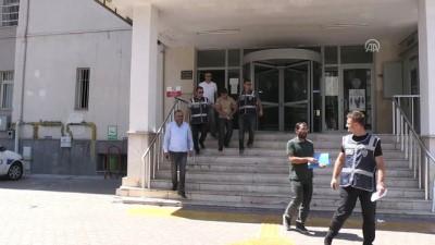 ozel harekat polisleri - Villa bekçisinin cinayet zanlısı 'seri katil' çıktı - Zanlı adliyeye sevkedildi - KAYSERİ