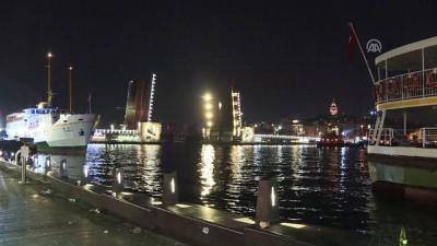 Yeni Galata Köprüsü bir süre trafiğe kapatıldı - İSTANBUL