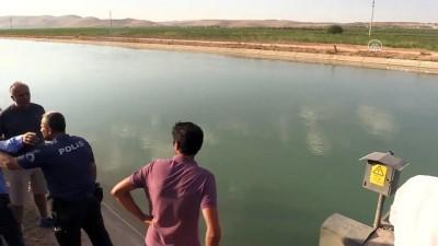 Kanala devrilen pikabın sürücüsü kayboldu - ŞANLIURFA