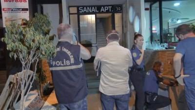 Koku gelen eve giren polis yaşlı adamın cesediyle karşılaştı