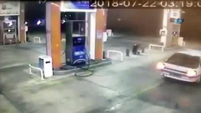 akaryakit istasyonu -  Asker eğlencesi için soygun yapan şahıslar kamerada