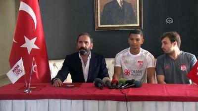 Sivasspor, yeni futbolcularını tanıttı - SİVAS