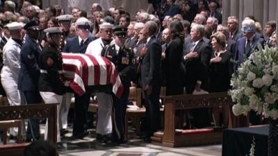 """- ABD'li Senatör McCain'in cenaze töreni düzenlendi - Bush: """"Bazı yaşamlar çok renklidir. Asla bittiğine inanamazsınız"""" - Obama: """"Bir savaşçı, bir devlet adamı ve bir vatansever"""""""