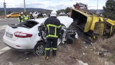 Kamyonla otomobil çarpıştı: 1 ölü, 3 yaralı - BOLU
