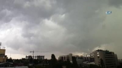 İstanbul'da şimşekler art arda çaktı