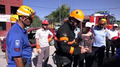 """İtfaiye personeline """"Trafik Kazalarına Müdahale'' eğitimi"""