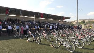 Okula başlayan çocuklara bisiklet - KİLİS