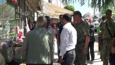 Şemdinli 34'üncü Hudut Tugay Komutanı Tuğgeneral Kılıç esnafı ziyaret etti
