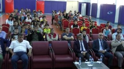 Tolunay Kafkas: 'Federasyon olarak kurslarda balık tutmayı öğretiyoruz'